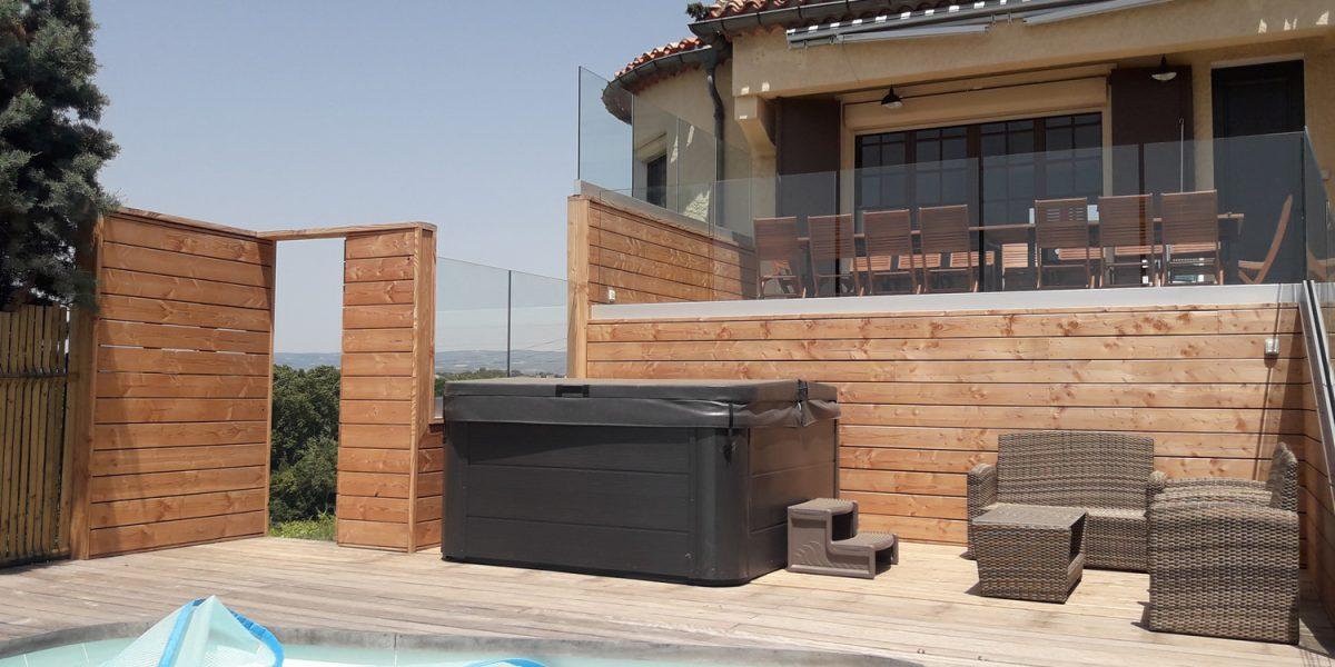 aménagement bois autour de piscine